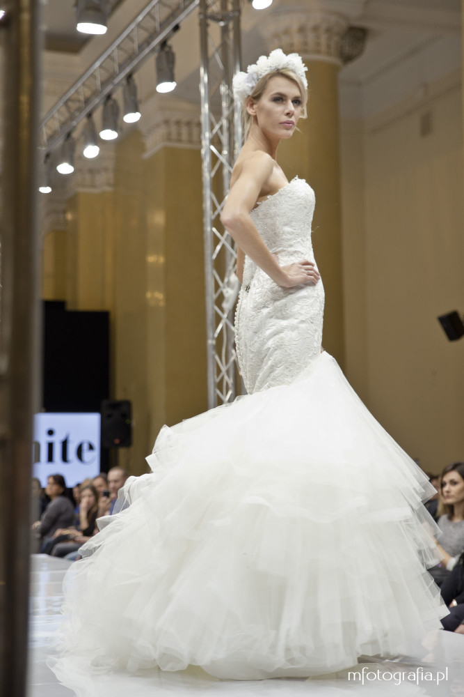 zdjęcie ślubnej sukni syrena