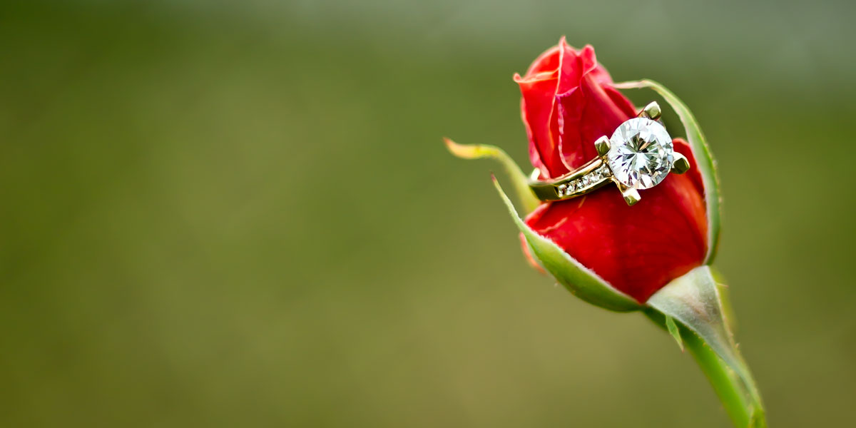 fotografia biżuterii pierscionek diament